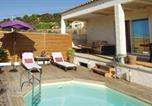 Location vacances Le Pouget - Three-Bedroom Holiday Home in Campagnan-4