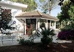 Location vacances Torre Santa Susanna - Villa Verde and Pool m215-2