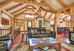 Location vacances Rifle - 'River's Edge' 6br Glenwood Home w/Private Hot Tub-3