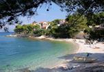 Location vacances Postira - Apartments with a parking space Postira (Brac) - 742-3