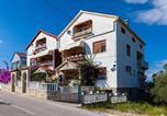 Location vacances Kukljica - Apartments with a parking space Kukljica, Ugljan - 8238-4