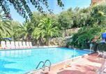 Location vacances Massa Lubrense - Sant'Agata sui Due Golfi Villa Sleeps 6 Pool-1