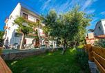 Location vacances Starigrad - Apartments in Starigrad-Paklenica 6841-1