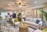 Location vacances Galveston - Vibrant Coastal Home about 1 Mi to Pleasure Pier!-1