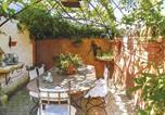 Location vacances Mazan - Three-Bedroom Holiday Home in Carpentras-3