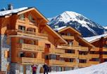 Location vacances Mâcot-la-Plagne - Apartments in Chalet Montalbert-1