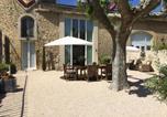 Location vacances Camaret-sur-Aigues - Apartment Château - Jonquieres-2