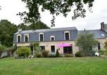 Location vacances Bord de mer de Tracy-sur-Mer - Luxury Holiday Home in Magny-en-Bessin with Garden-1