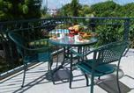 Location vacances Calodyne - Apartment with 2 bedrooms in Grande Gaube with shared pool enclosed garden and Wifi-1