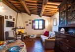 Location vacances Santa Fiora - Panoramic Cottage with Shared Pool-3