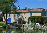 Location vacances Le Gué-de-Velluire - Marais Poitevin, pêche ,barque, vélos, wifi tél cheminée, cuisine-1