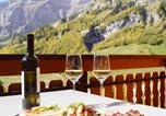 Location vacances Albinen - Romantic Attic Apartment Edelweiss A42-4