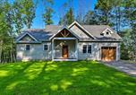 Location vacances Gilford - Gilford House with Deck and Grill - Mins to Beach!-2