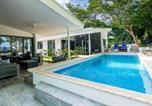 Location vacances Potrero - Brand-New 3-Bedroom Beachfront Home with Pool-1