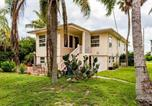 Location vacances Fort Myers Beach - 1930 Bayview, 2 Bedrooms, Cozy Upper Unit, Wifi, Sleeps 4-3