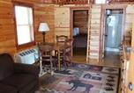Hôtel Saint-Ignace - Cabins of Mackinaw & Lodge-2