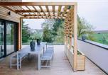Location vacances Obernai - Le Deck Gîte indépendant terrasse 4 ch pour 4 à 14 personnes à Griesheim-Près-Molsheim Contact 06614o9ii9-3