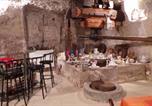 Location vacances Amboise - Maison troglodyte-1