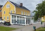 Hôtel Vänersborg - Melleruds Golfklubb Bed & Breakfast-1