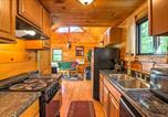 Location vacances Williamstown - Hocking Hills Lake Cabin with Hot Tub, Deck and Dock!-2