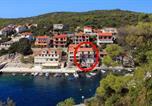 Location vacances Smokvica - Apartments by the sea Zavalatica, Korcula - 9285-2