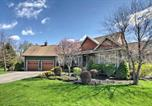 Location vacances Hot Springs - House with Deck, Fire Pit - 15 Mins to Snowshoe!-1