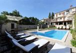 Location vacances  Croatie - B&B Villa Velike Stine-1