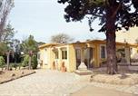 Location vacances  Hérault - Holiday home Chemin de la Daumasse-1