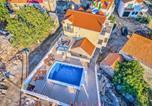 Location vacances Ružić - Villa Heritage With Pool-2