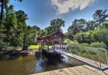 Location vacances Hinesville - Waterfront Midway Home with Sunroom and Large Yard-2