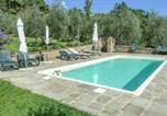 Location vacances Pescia - Amazing home in Buggiano with Outdoor swimming pool, Wifi and 2 Bedrooms-1