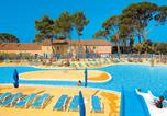 Camping Arènes de Nîmes - Résidence-Club Domaine le Mas des Vignes-1