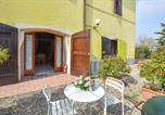 Location vacances  Province de Mantoue - Beautiful apartment in Marmirolo with Wifi and 1 Bedrooms-1