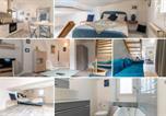 Location vacances Hyères - Le Charme du médiéval dans un appartement cosy-2