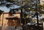 Location vacances  Province de Grosseto - Part of the house with panoramic views-2