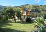 Location vacances Montagnareale - Luxury villa near the beach with wonderful view of Aeolian Island-3