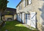 Location vacances Labastide-Murat - Beautiful Holiday Home near the Forest in Montfaucon-1