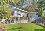 Location vacances Troutdale - Waterfront Hideaway with Sandy River Fishing!-1