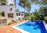 Location vacances Castellví de Rosanes - Villa Tarruella-3