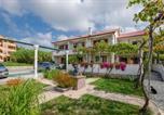 Location vacances Lopar - Apartments Helena-1