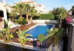 Location vacances l'Ametlla de Mar - Enthralling Holiday Home in Ametlla de Mar with Private Pool-2
