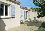 Location vacances Poitou-Charentes - Holiday Home Les Coquelicots - Ido209-3