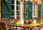 Location vacances Carlux - Maison de charme à 5 km de Sarlat avec piscine-2
