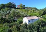 Location vacances  Province de Pesaro et Urbino - Quaint Farmhouse in Barchi Marche with Private Garden-1