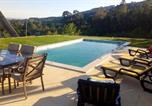 Location vacances Cabeceiras de Basto - Villa with 5 bedrooms in Portela with wonderful mountain view private pool enclosed garden-1