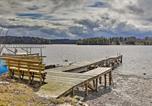 Location vacances Stockbridge - East Otis Reservoir Cabin with Porch - Walk to Lake!-4
