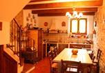 Location vacances  Province d'Arezzo - Santa Maria a Monte Villa Sleeps 12 Pool Wifi-3
