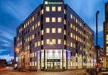 Hôtel Overbetuwe - Holiday Inn Express Arnhem-1