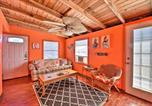 Location vacances Freeport - Colorful Cottage - 2 Blocks to Surfside Beach!-4