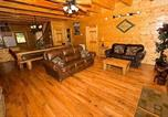 Location vacances Pigeon Forge - Creekside Lodge by Majestic Mountain Vacations-1